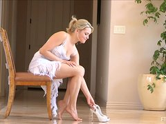 Stunning blond honey Jessica does some naked yoga