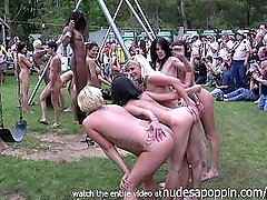 so many naked girls i cant count them all