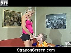 Dolly&Connor strapon assfuck video