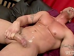 hairy armpitz muscular guy masturbate