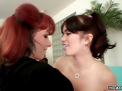 Dark hair babe gets to be lesbo pussy licked