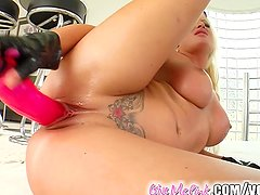 Give Me Pink Horny blonde works her mouth and pussy