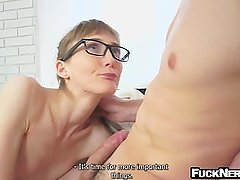 Skinny nerdy girl wearing glasses gets picked up and fucked with facial