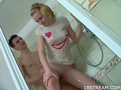 Blondie Gets Some Action in the Shower