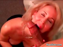 Horny mature blonde gets wet hairy pussy part6