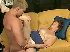 Mature Babe Takes A Pounding - Telsev
