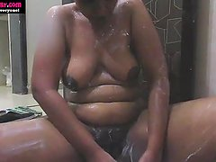 BigTits Indian Babe Lily In Shower Masturbate