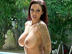 Jodie Marsh - Topless Hot Sexy Summer Photoshoot By The Pool