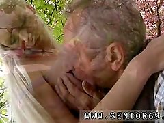 Old young handjob Paul is lovin' his breakfast in the garden with his new