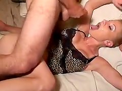 Kelly cumplay 1