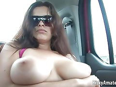 Big tit amateur slut gets naked in a car