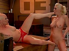 Cherry Torn Worships Lorelei Lees Feet
