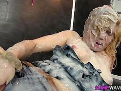 Glam whore gets facial