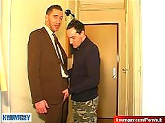 Full video: A innocent vendor serviced his big cock by a guy!