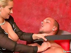 Dominante - MILF teaches her slave to be obedient!