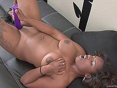 Big ass black girl playing with herself