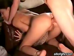 Amateur Brunette Enjoys Unbelievable Anal