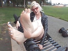 Come and Kiss My Feet
