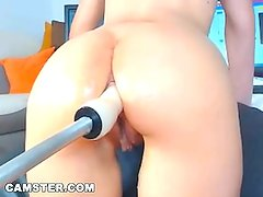 CAMSTER - Cam Model With Nice Body Uses Anal Fuck Machine