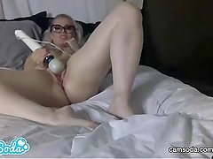 Ash Hollywood big ass blonde fingering her wet juicy pussy.