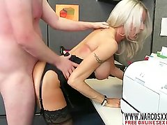 Bony Mom Emma Starr In Stockin2gs Needs Fast Dick