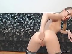 Camgirl Lubes Up For Anal Fisting