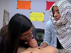 Muslim girl webcam BJ Lessons with Mia