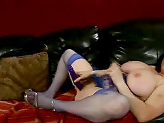 CHUBBY MILF TOYING : KITTY LEE