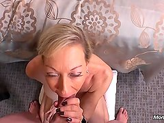 Big Boobs Amateur Cougar Loves Getting Fucked
