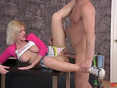 18videoz - Shirley Harris - Studying for the anal test