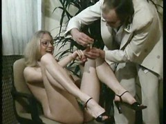 Kinky retro babe gets her hairy pussy clipped with pegs