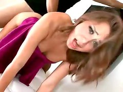Riley Reid looks gorgeous in close up sex