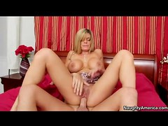 Kristal Summers sits on a big cock