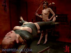 Anal Strapon Fuck For a Heavily Tortured Babe