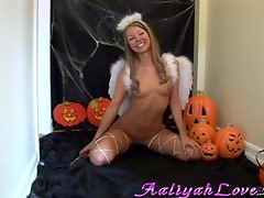 Hawt halloween pictureshoot w Aaliyah love