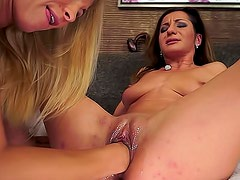 Nude and sexy Alice Romain is inserting her strong hand in fresh pussy