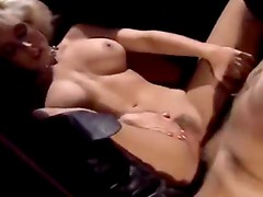 Sexaddicted tranny finds a dick