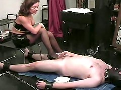 Redhead chick likes to do unbelievable foot job