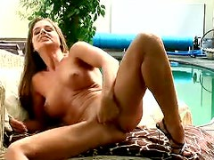 Very Sexy Amateur Masturbating with Her Fingers and a Sex Toy