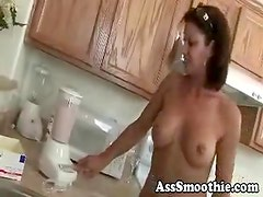 Vanessa Videl drinks booty smoothie