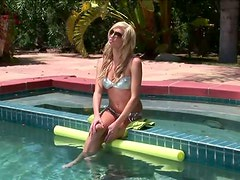 Blonde Beauty Victoria White Getting Fucked In The Pool