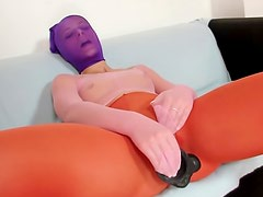 Sexy Ruth in purple mask is drilling her fresh kitty