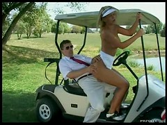 Fucking a Sporty Blonde Babe Outdoors In The Golf Course