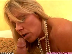 Sexy Blonde cougar blowing