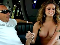 Bikini girl fucked in the car