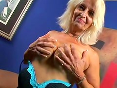 Blonde granny fucked in flabby pussy