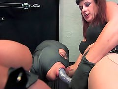 Facesitting mistress strapon fucks submissive