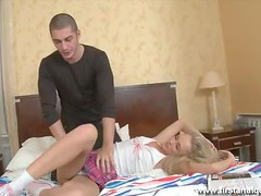 Making This Sexy Blonde Scream With Pleasure