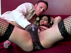 Very hot honey with natural tits gets her hawt cunt fucked !