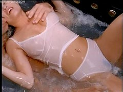 Hot Action In The Bath Tub With Beautiful Lisa Boyle